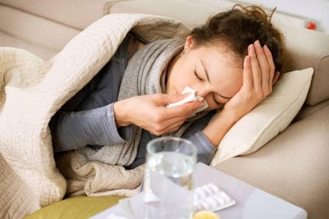 सर्दी-जुकाम दूर करने के लिए अपनाएं ये घरेलू उपाय