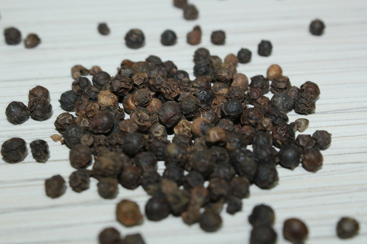सुबह खाली पेट काली मिर्च खाने के फायदे