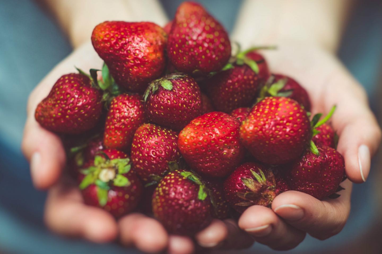 स्ट्रॉबेरी के सेवन के छह लाजवाब फायदे, विटामिन और कैल्शियम से होती है भरपूर